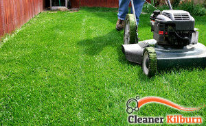 lawn-mowing-services-Kilburn