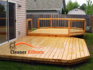wooden-deck-cleaning-kilburn